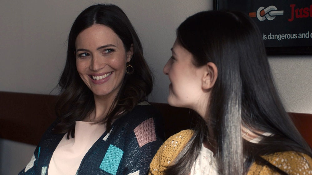 """THIS IS US -- """"Changes"""" Episode 503 -- Pictured in this screengrab: (l-r) Mandy Moore as Rebecca, Mackenzie Hancsicsak as Kate -- (Photo by: NBC)"""