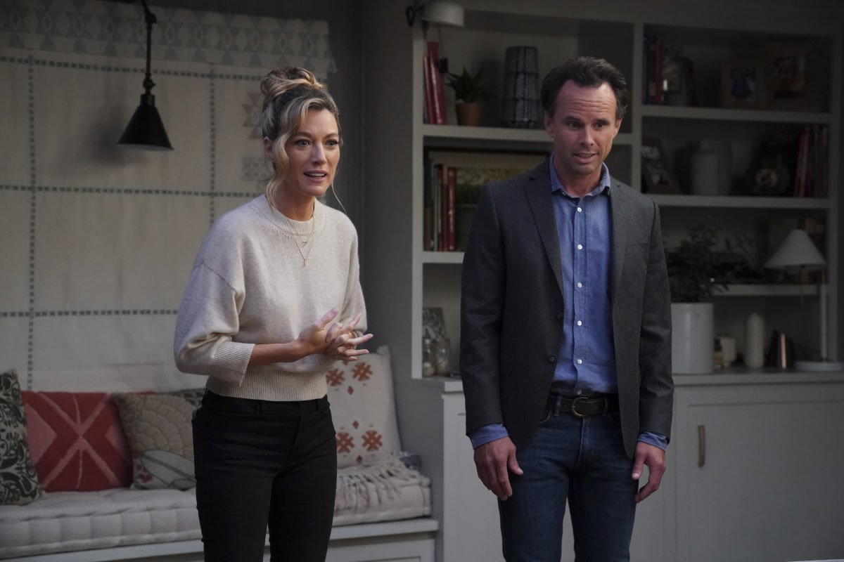 """It's Complicated"" – When Wade goes on a date with Shannon (Natalie Zea), he learns quickly that he has to come to terms with her unusual living arrangements if he wants to keep seeing her. Also, Grace is struggling with fitting in at her new high school, Michelle grapples with her algebra college course and Delia tries to help Forrest fit in with his much younger colleagues, on THE UNICORN, Thursday, Nov. 19 (9:30-10:00 PM, ET/PT) on the CBS Television Network. Pictured: Natalie Zea as Shannon, Walton Goggins as Wade. Photo: Sonja Flemming/CBS ©2020 CBS Broadcasting, Inc. All Rights Reserved."