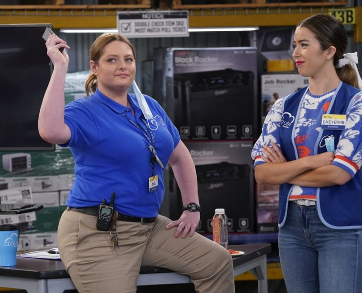 "SUPERSTORE -- ""Floor Supervisor"" Episode 603 -- Pictured: (l-r) Lauren Ash as Dina, Nichole Sakura as Cheyenne -- (Photo by: Greg Gayne/NBC)"