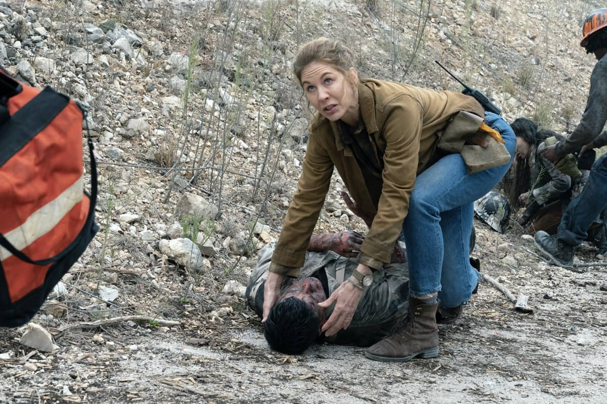 Jenna Elfman as June - Fear the Walking Dead _ Season 6, Episode 6 - Photo Credit: Ryan Green/AMC