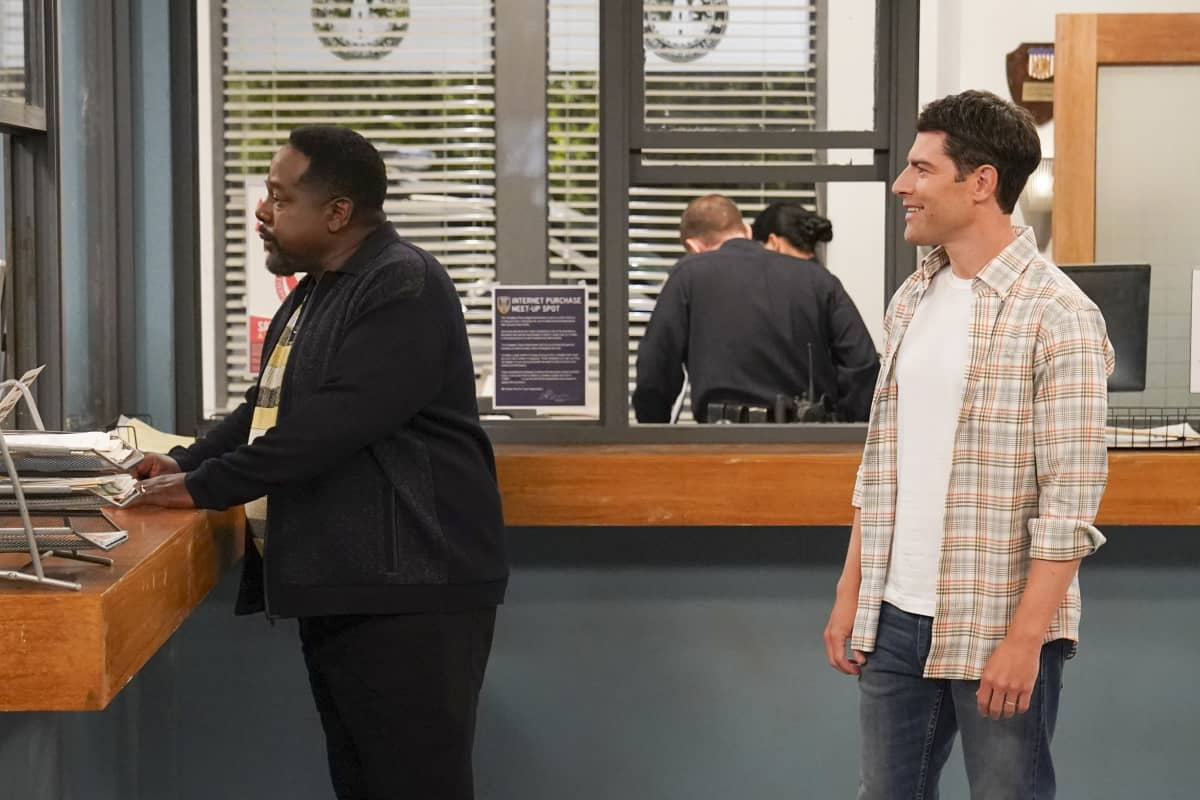 """Welcome to the Movement"" - Pictured: Cedric the Entertainer (Calvin Butler) and Max Greenfield (Dave Johnson). The Butlers and Johnsons unite when a member of their community is the victim of racial injustice, on the third season premiere of THE NEIGHBORHOOD, Monday, Nov. 16 (8:00-8:30 PM, ET/PT) on the CBS Television Network. Photo: Monty Brinton/CBS ©2020 CBS Broadcasting, Inc. All Rights Reserved."