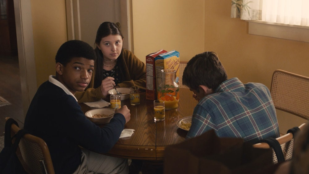 """THIS IS US -- """"Honestly"""" Episode 504 -- Pictured in this screengrab: (l-r) Lonnie Chavis as Randall, Mackenzie Hancsicsak as Kate, Parker Bates as Kevin -- (Photo by: NBC)"""