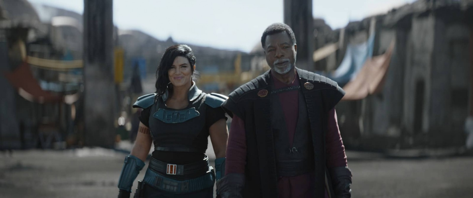 Gina Carano is Cara Dune and Carl Weathers is Greef Karga in Lucasfilm's THE MANDALORIAN, season two, exclusively on Disney+. © 2020 Lucasfilm Ltd. & ™. All Rights Reserved.