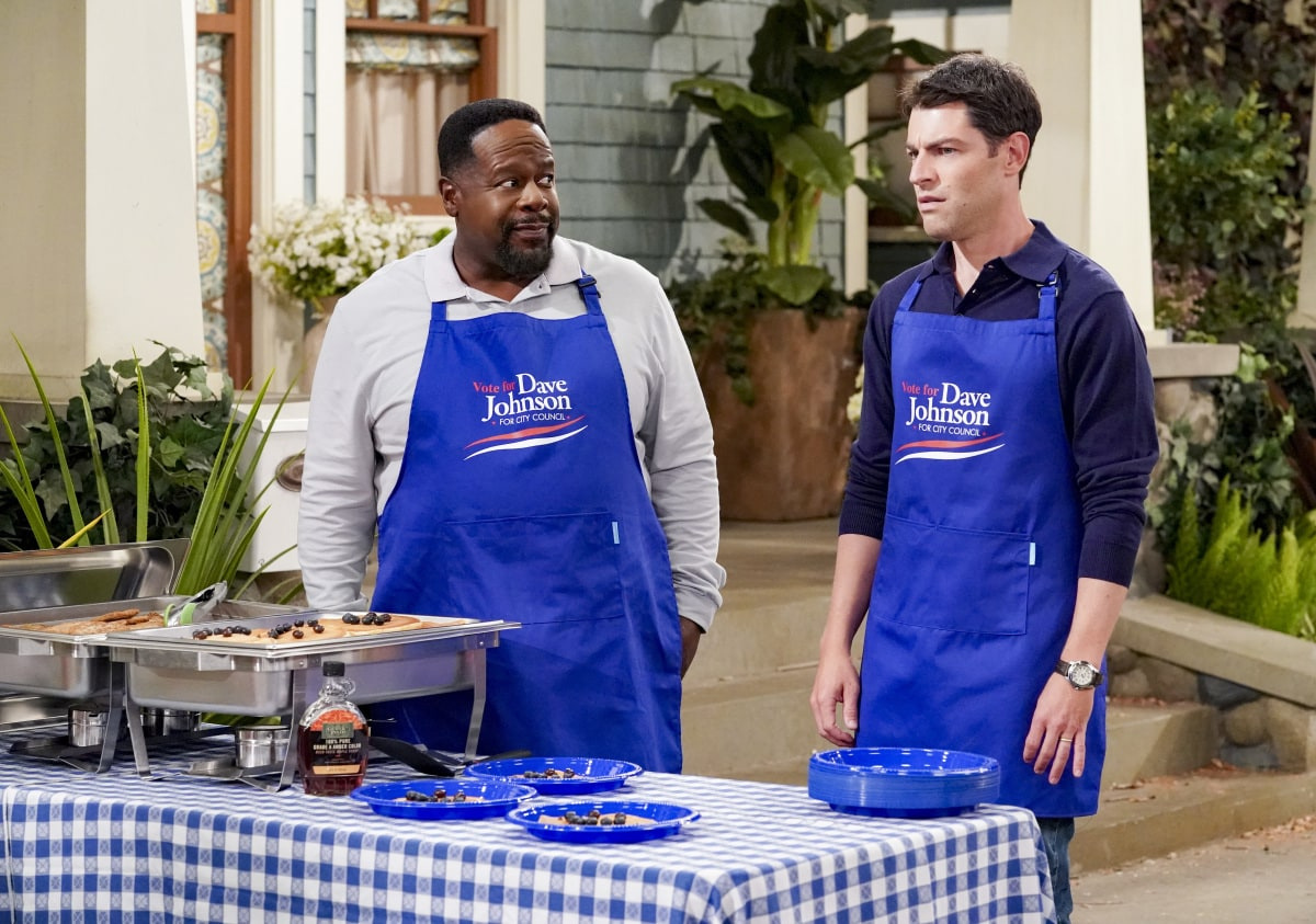 """Welcome to the Election"" - Pictured: Cedric the Entertainer (Calvin Butler) and Max Greenfield (Dave Johnson). Dave faces off against incumbent Isaiah Evans (guest star Wayne Brady) in a debate for a city council seat, and the race comes to a dramatic conclusion, on THE NEIGHBORHOOD, Monday, Nov. 23 (8:00-8:30 PM, ET/PT) on the CBS Television Network. Photo: Monty Brinton/CBS ©2020 CBS Broadcasting, Inc. All Rights Reserved."