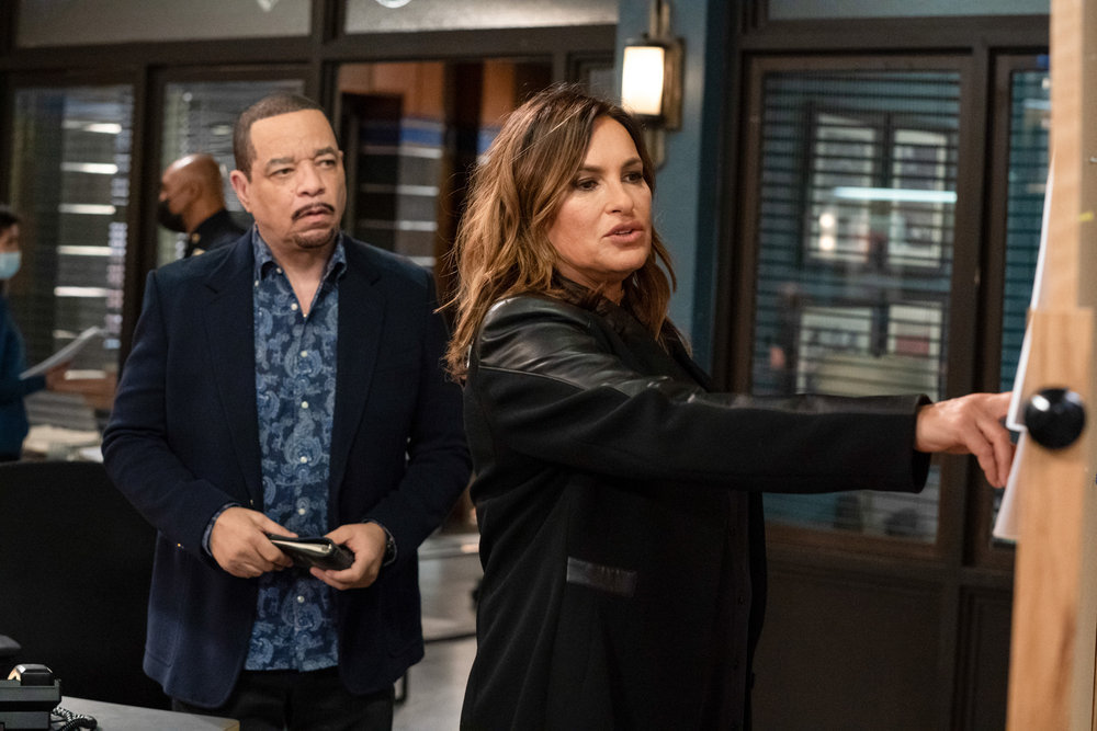 LAW AND ORDER SVU Season 22 Episode 6 The Long Arm of the Witness