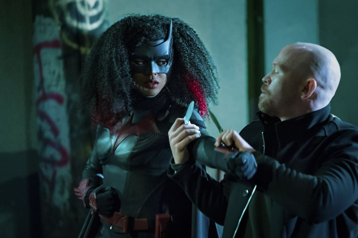 BATWOMAN Season 2 Episode 3 Bat Girl Magic