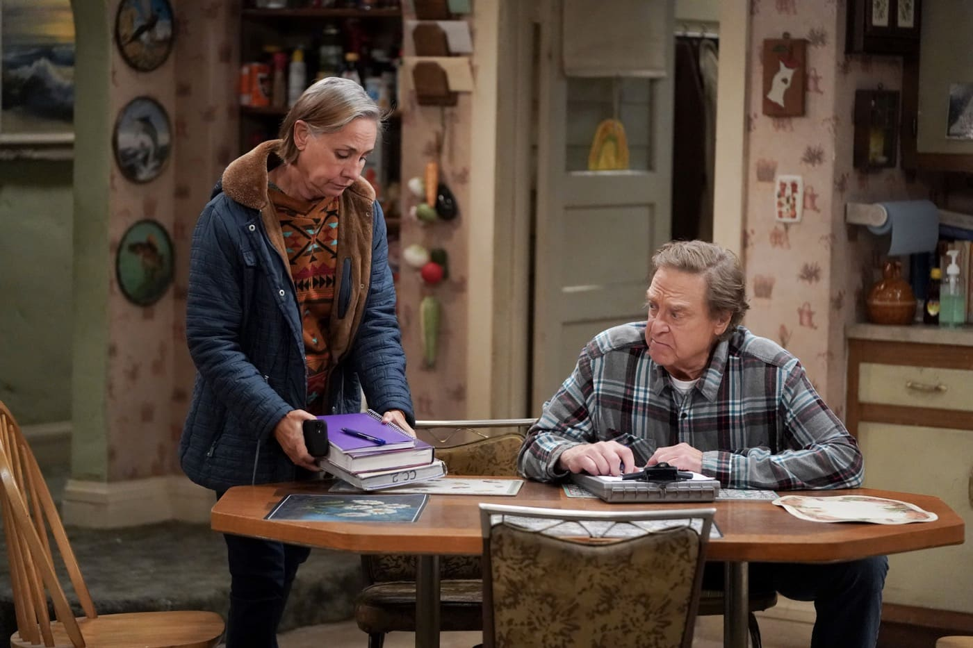THE CONNERS Season 3 Episode 10 Who Are Bosses, Boats and Eckart Tolle LAURIE METCALF, JOHN GOODMAN