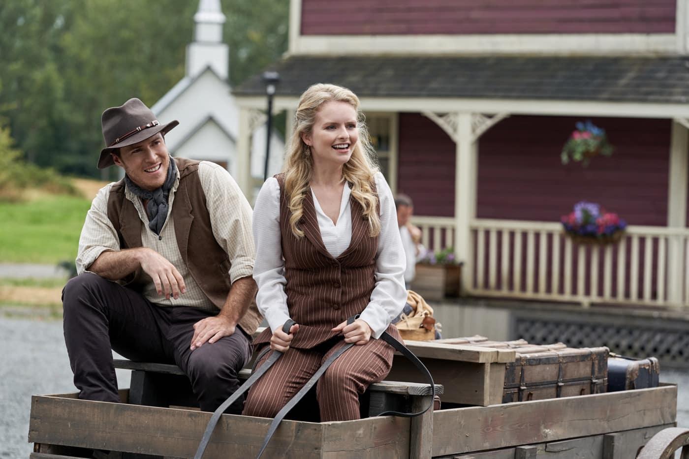 When Calls The Heart Season 8 Episode 1 Jonathan Purvis, Andrea Brooks