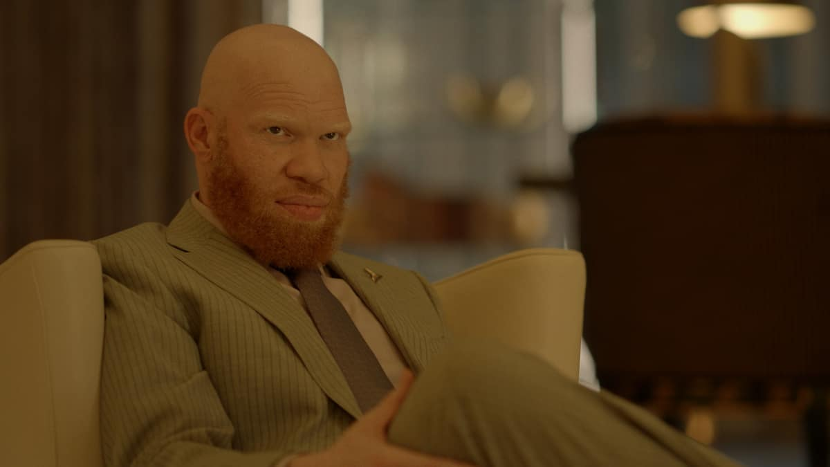 "Black Lightning -- ""The Book of Reconstruction: Chapter Three"" -- Image Number: BLK403fg_0003r.jpg -- Pictured: Marvin ""Krondon"" Jones III as Tobias"