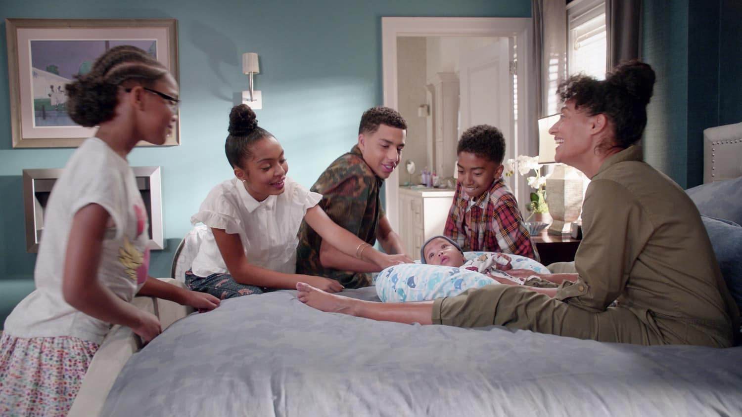 BLACK-ISH Season 7 Episode 11 Photos The Mother And Child De-Union YARA SHAHIDI, MARCUS SCRIBNER, AUGUST AND BERLIN GROSS, MILES BROWN, TRACEE ELLIS ROSS