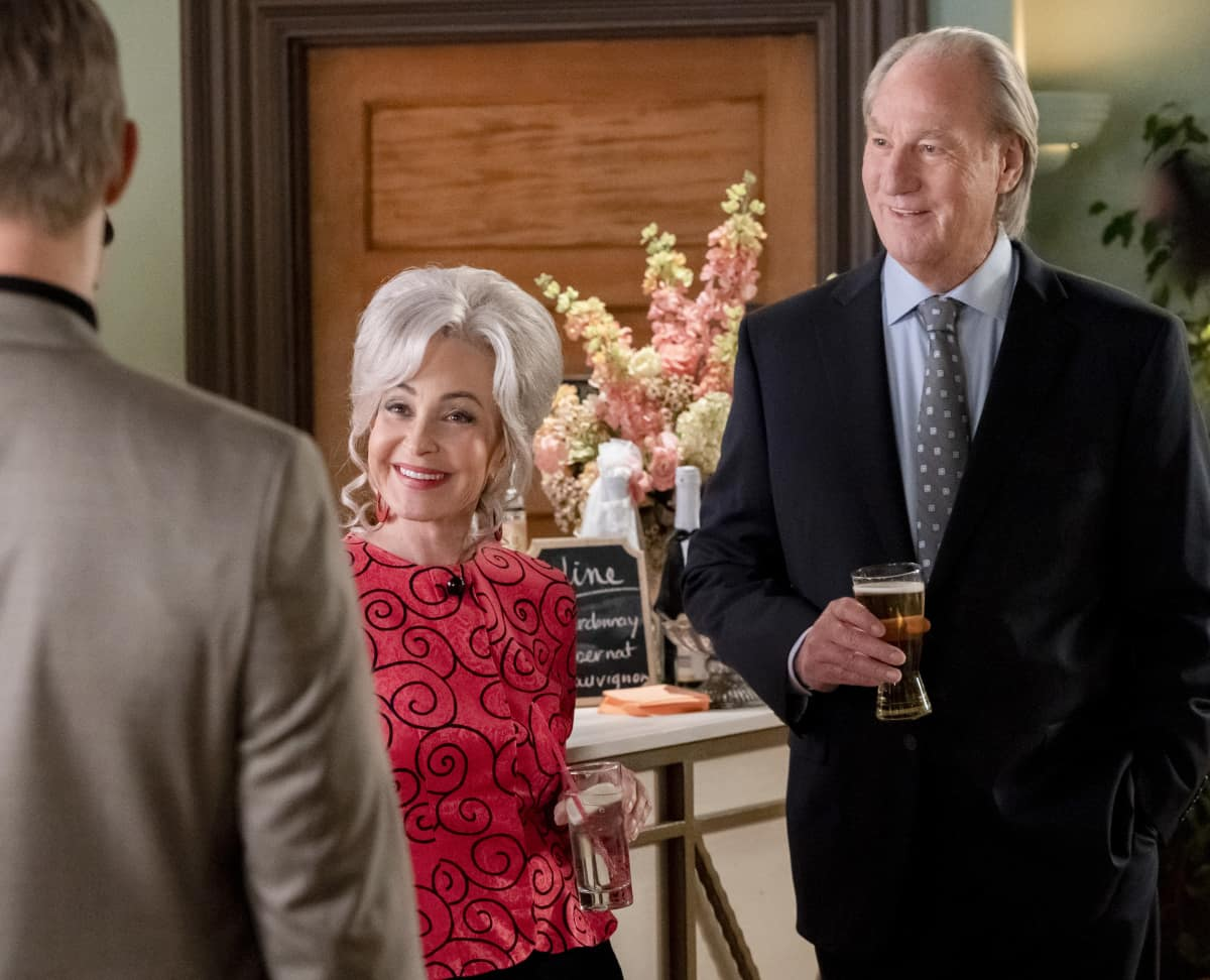 "Young Sheldon Season 4 Episode 9 ""Crappy Frozen Ice Cream and an Organ Grinder's Monkey"" - Pictured: Meemaw (Annie Potts) and Dale (Craig T. Nelson)."