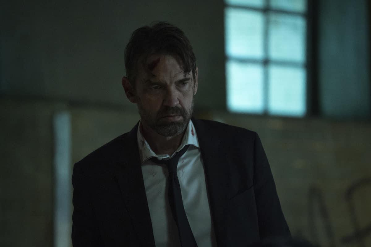 "Batwoman Season 2 Episode 6 -- ""Do Not Resuscitate"" Pictured: Dougray Scott as Commander Jacob Kane"