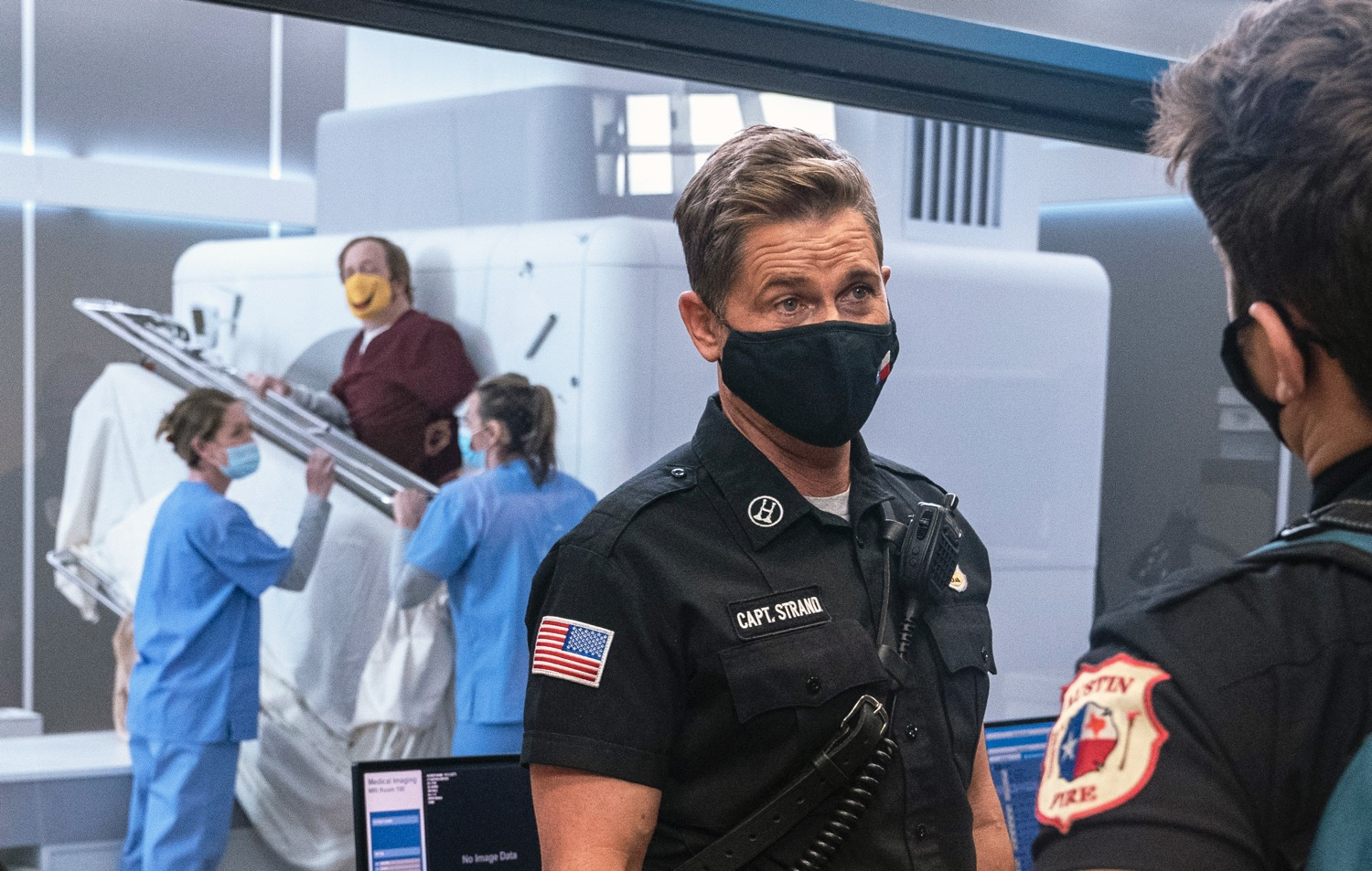 """9-1-1 LONE STAR Season 2 Episode 7 : Rob Lowe in the """"Displaced"""" episode of 9-1-1: LONE STAR airing Monday, March 1 (9:01-10:00 PM ET/PT) on FOX. © 2021 Fox Media LLC. CR: Jack Zeman/FOX."""