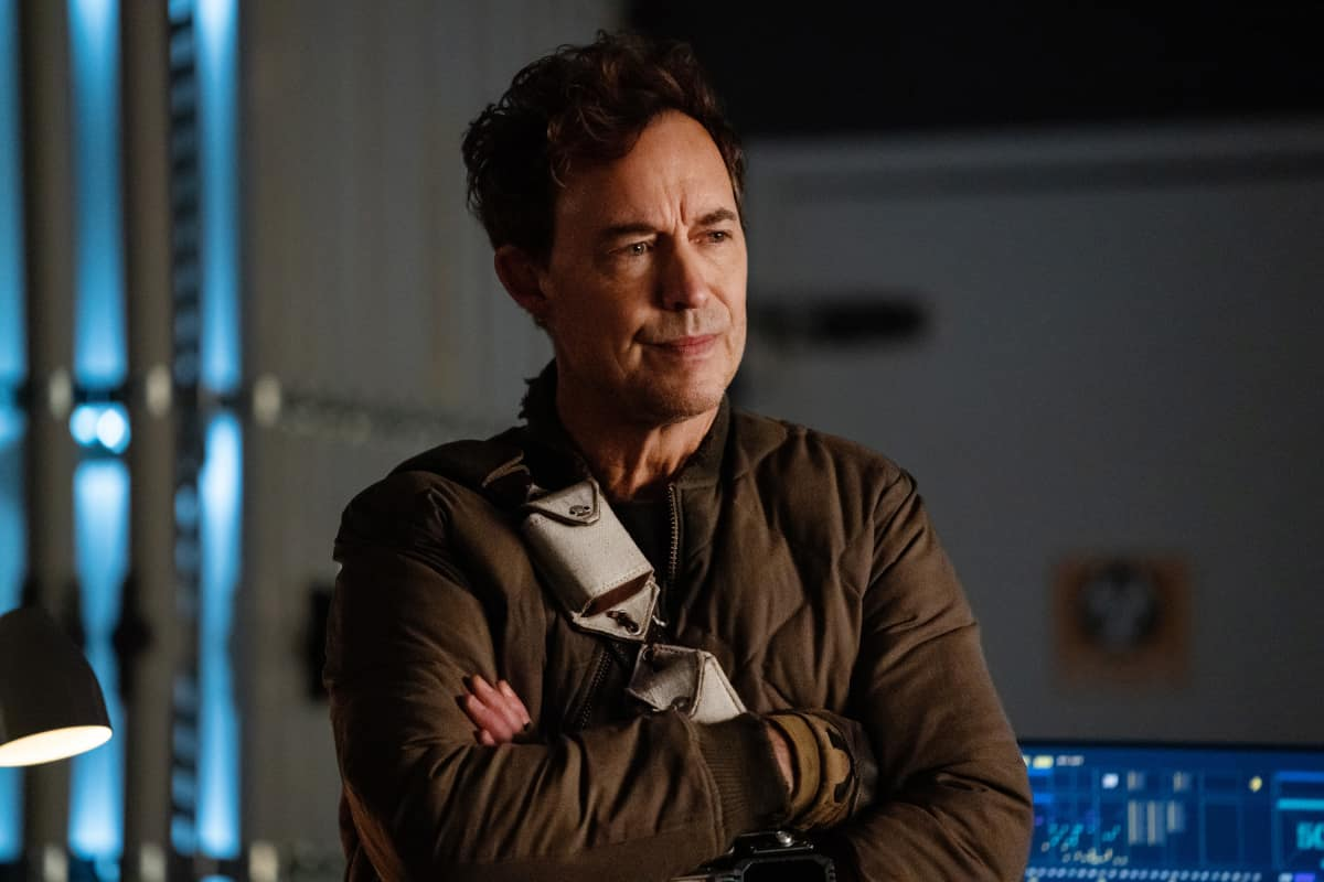 "The Flash Season 7 Episode 1 -- ""All's Wells That Ends Wells"" -- Image Number: FLA701a_0338r.jpg -- Pictured: Tom Cavanagh as Nash Wells -- Photo: Katie Yu/The CW -- © 2021 The CW Network, LLC. All rights reserved"