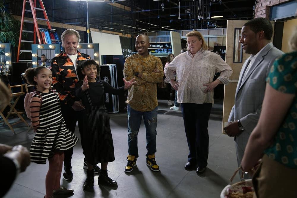 """KENAN Season 1 Episode 3 -- """"4th Hour"""" Episode 103 -- Pictured: (l-r) Dannah Lane as Birdie, Don Johnson as Rick, Dani Lane as Aubrey, Chris Redd as Gary, Fortune Feimster Pam, Kenan Thompson as Kenan -- (Photo by: Casey Durkin/NBC)"""