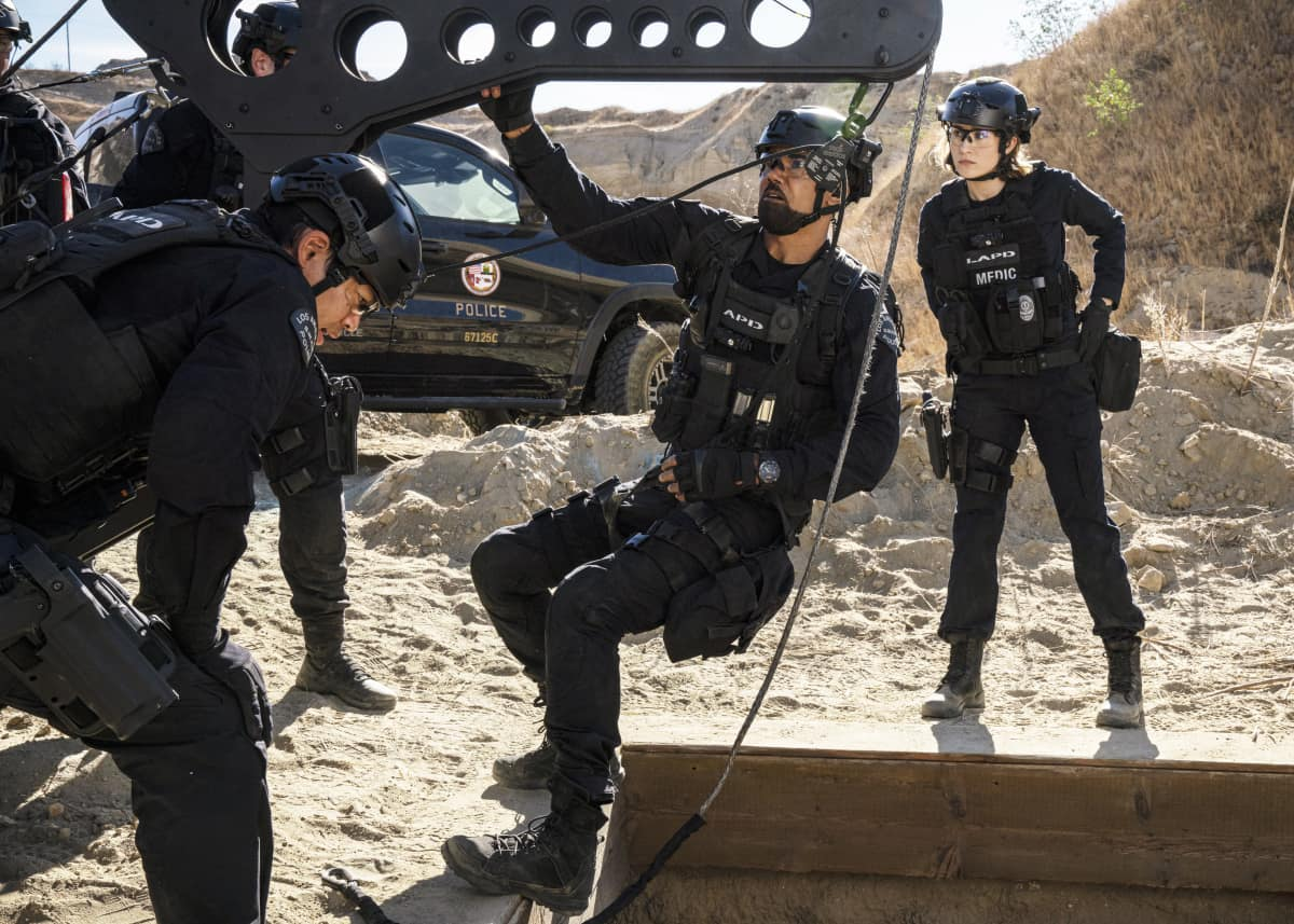 SWAT Season 4 Episode 10 Buried Pictured (L-R): David Lim as Victor Tan, Shemar Moore as Daniel Hondo Harrelson, and Norma Kuhling as Nora Fowler. Photo: Bill Inoshita/CBS ©2020 CBS Broadcasting, Inc. All Rights Reserved.