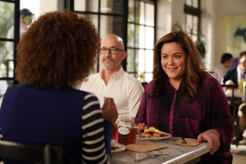 AMERICAN HOUSEWIFE Season 5 Episode 11 Photos The Guardian