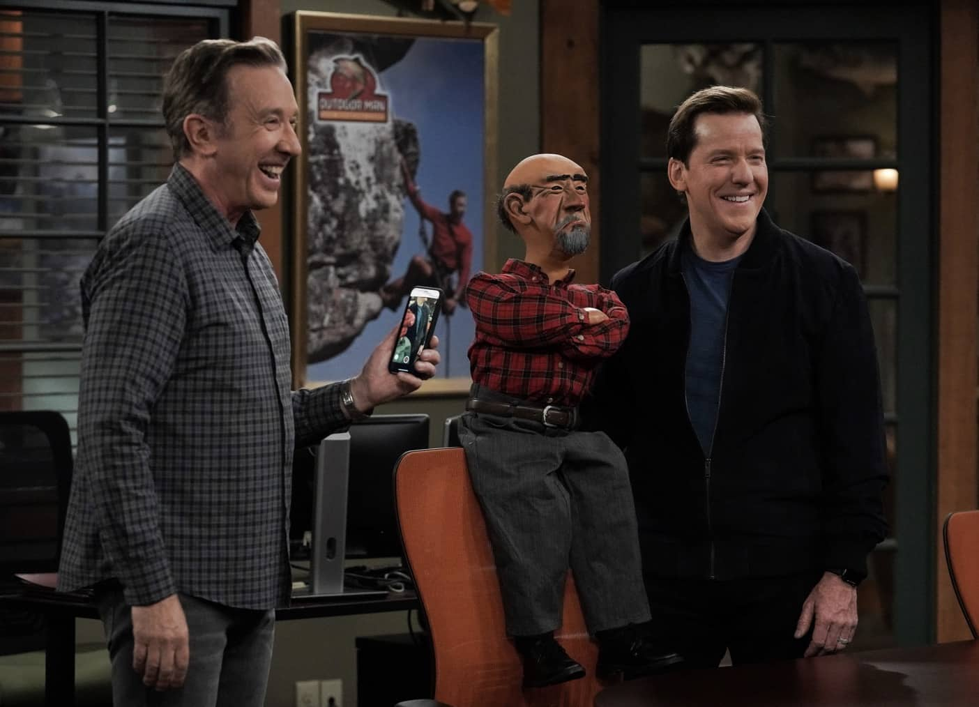"LAST MAN STANDING Season 9 Episode 10 : L-R: Tim Allen and guest star Jeff Dunham with his puppet, Walter, in the ""Meatless Mike"" episode of LAST MAN STANDING airing Thursday, March 4 (9:30-10:00 PM ET/PT) on FOX. CR: Michael Becker/FOX. © 2021 FOX Media LLC."