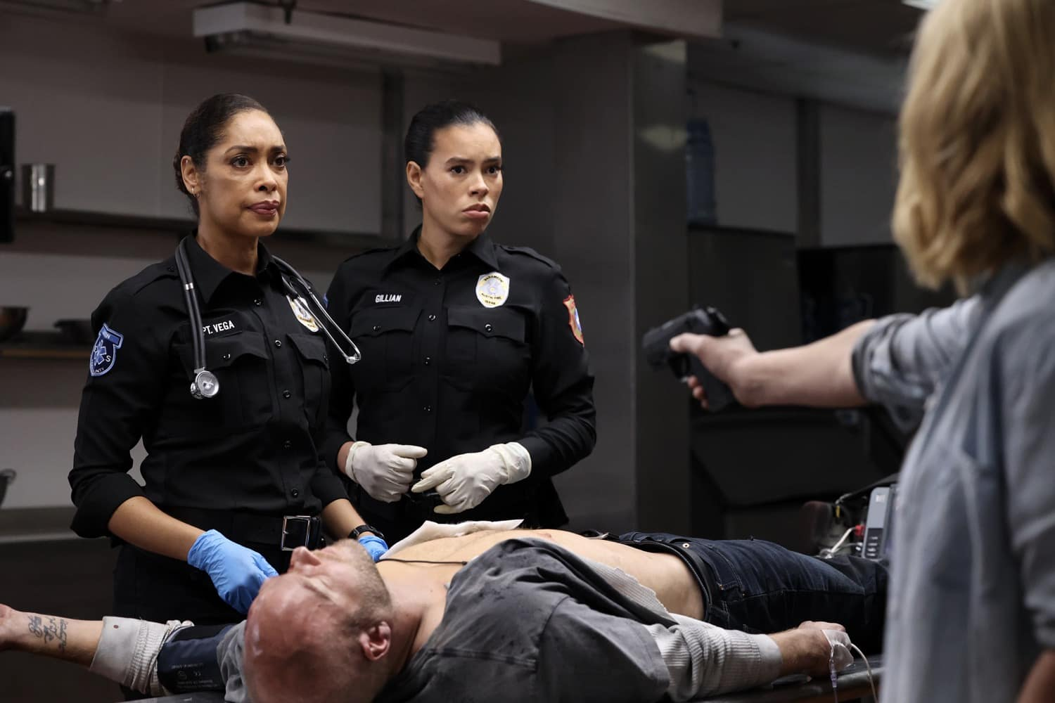 """9-1-1 Season 2 Episode 8 : LONE STAR: L-R: Gina Torres and guest star Brianna Baker in the """"Bad Call"""" episode of 9-1-1: LONE STAR airing Monday, March 8 (9:01-10:00 PM ET/PT) on FOX. © 2021 Fox Media LLC. CR: Jordin Althaus/FOX."""