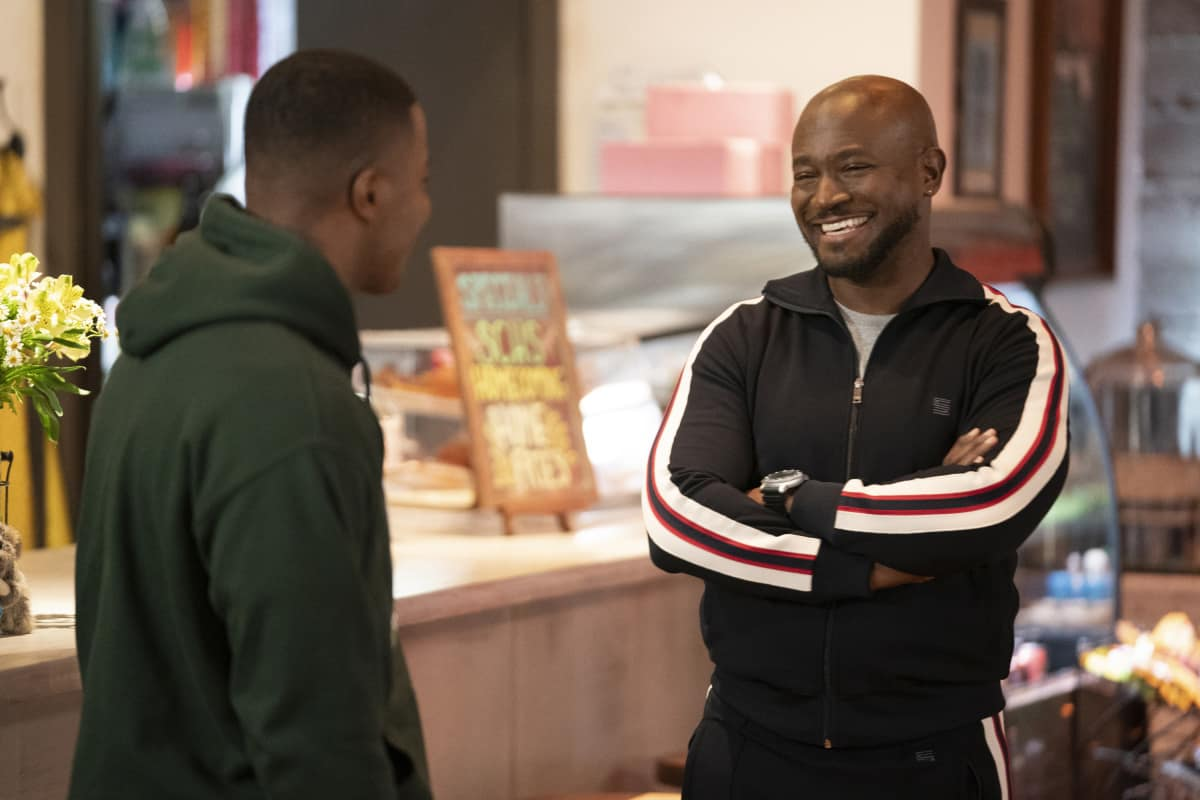 """All American Season 3 Episode 8 -- """"Canceled"""" -- Image Number: ALA308a_0905r.jpg -- Pictured (L-R): Daniel Ezra as Spencer and Taye Diggs as Billy -- Photo: Erik Voake/The CW -- © 2021 The CW Network, LLC. All Rights Reserved"""