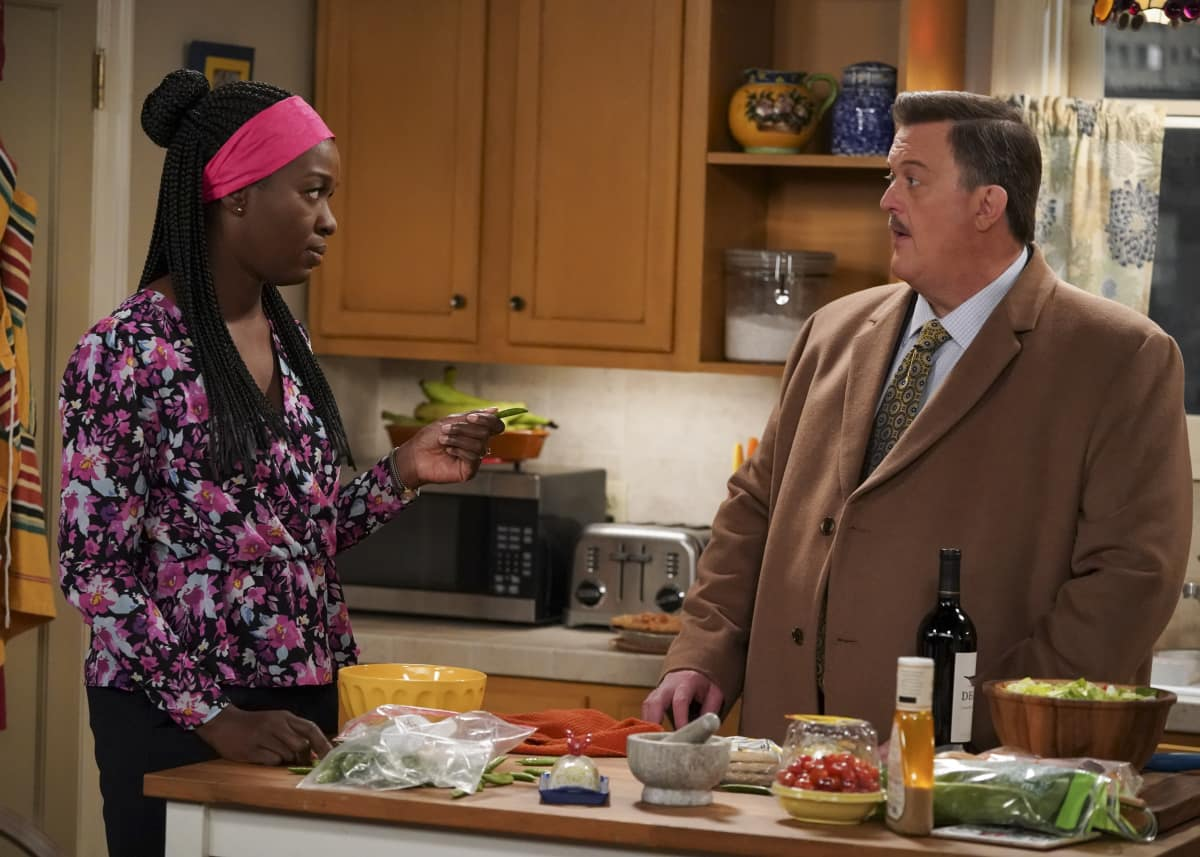 BOB HEARTS ABISHOLA Season 2 Episode 11 I Did Not Raise Him to be a Teenager Pictured (L-R): Folake Olowofoyeku as Abishola and Billy Gardell as Bob.