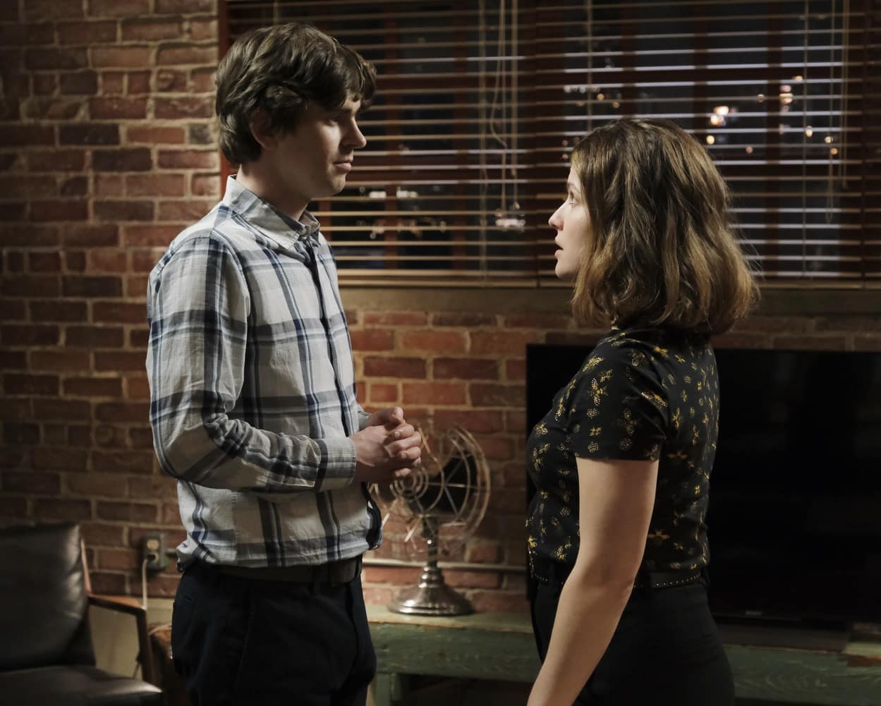 """The Good Doctor Season 4 Episode 11 """"We're All Crazy Sometimes"""" – FREDDIE HIGHMORE, PAIGE SPARA"""