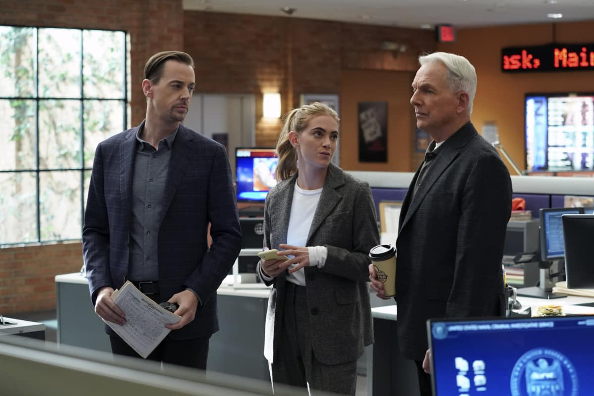 """NCIS Season 18 Episode 9 """"Winter Chill"""" – Pictured: Sean Murray as NCIS Special Agent Timothy McGee, Emily Wickersham as NCIS Special Agent Eleanor """"Ellie"""" Bishop, Mark Harmon as NCIS Special Agent Leroy Jethro Gibbs"""