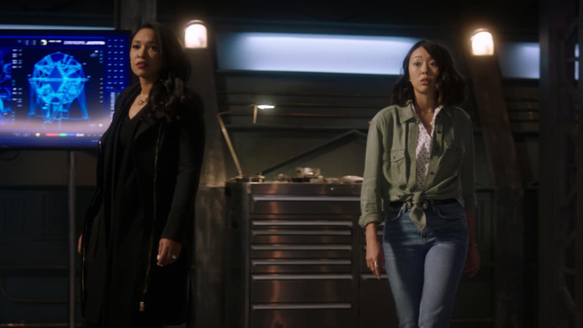 "The Flash Season 7 Episode 2 -- ""The Speed of Thought"" -- Image Number: FLA702fg_0010r.jpg -- Pictured (L-R): Candice Patton as Iris West - Allen and Victoria Park as Kamilla"