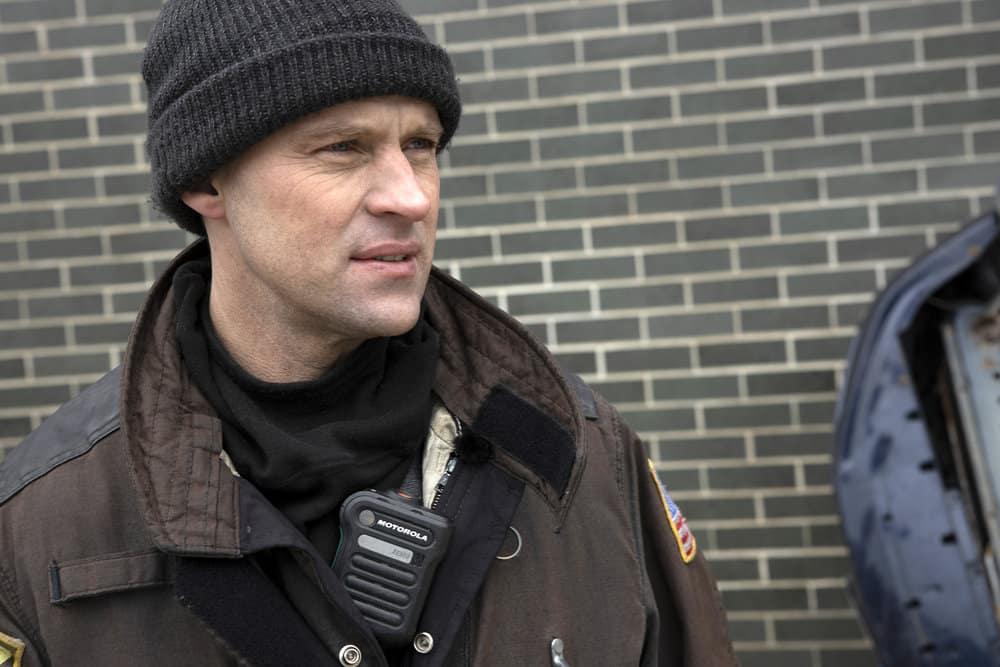 CHICAGO FIRE Season 9 Episode 8 Photos Escape Route