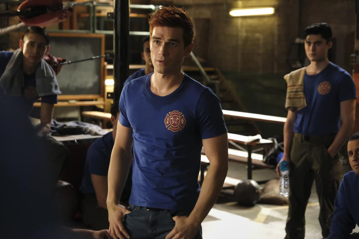 """Riverdale Season 5 Episode 7 -- """"Chapter Eighty-Three: Fire In The Sky"""" -- Image Number: RVD507b_0291r -- Pictured: KJ Apa as Archie Andrews"""