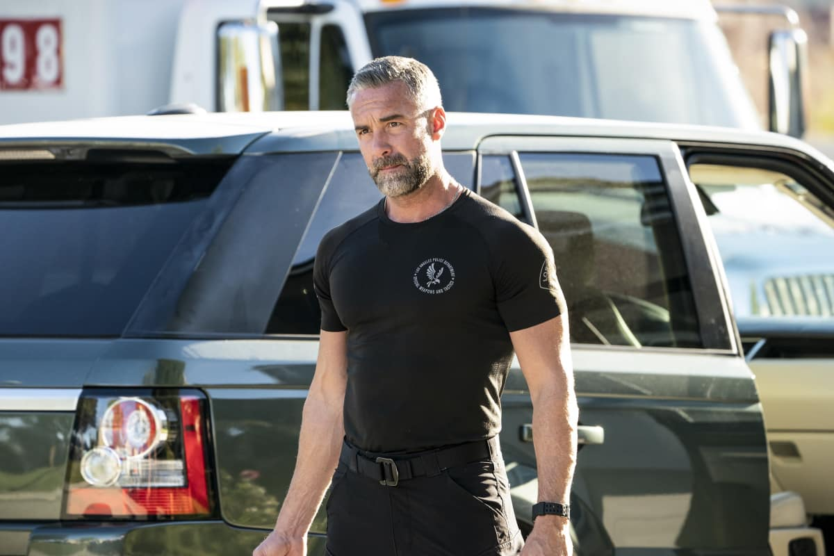 "SWAT Season 4 Episode 11 ""Positive Thinking"" Pictured (L-R): Jay Harrington as David ""Deacon"" Kay"