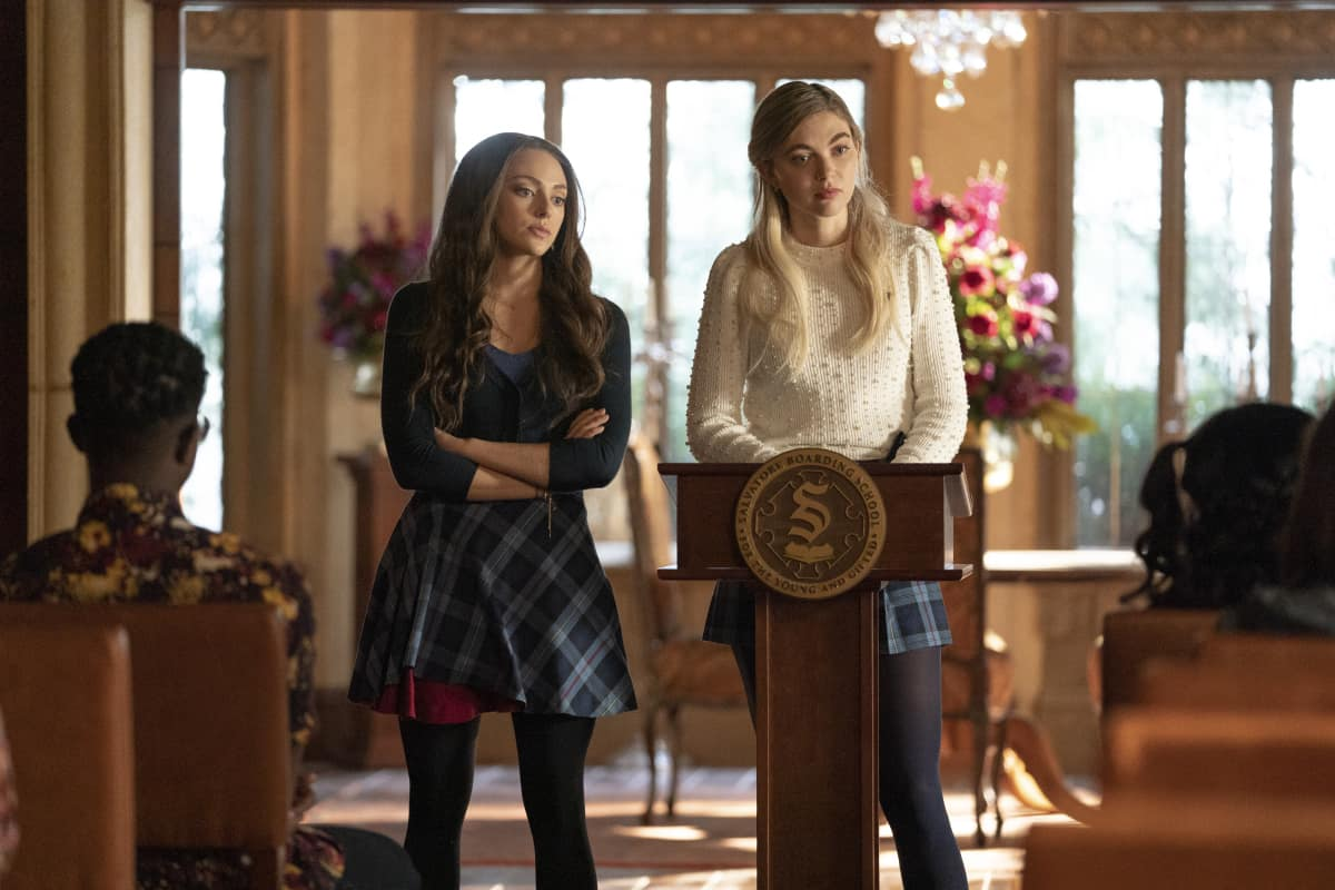 """Legacies Season 3 Episode 6 -- """"To Whom It May Concern"""" -- Image Number: LGC306A_0320r.jpg -- Pictured (L-R): Danielle Rose Russell as Hope and Jenny Boyd as Lizzie"""