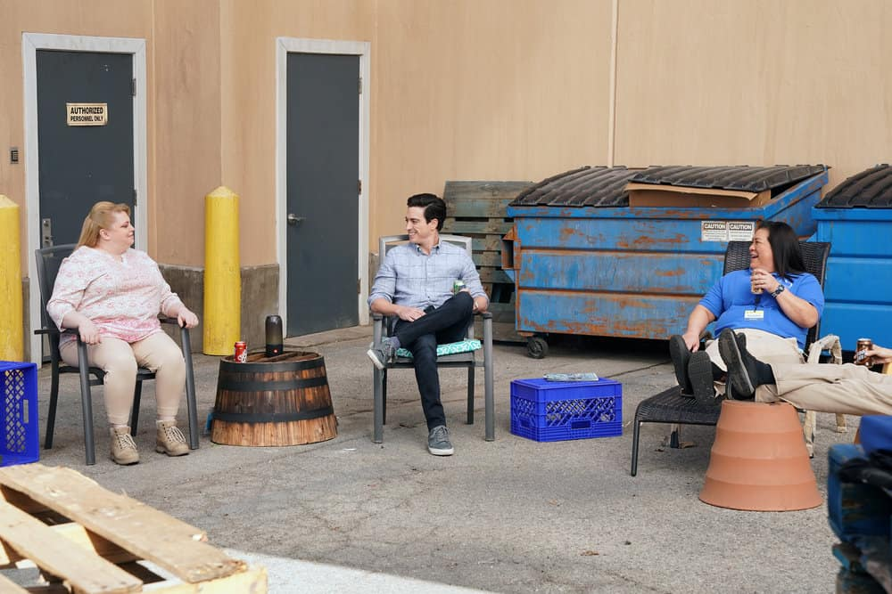 "SUPERSTORE Season 6 Episode 12 -- ""Customer Satisfaction"" Episode 612 -- Pictured: (l-r) Kelly Schumann as Justine, Ben Feldman as Jonah, Kaliko Kauahi as Sandra -- (Photo by: Chris Haston/NBC)"