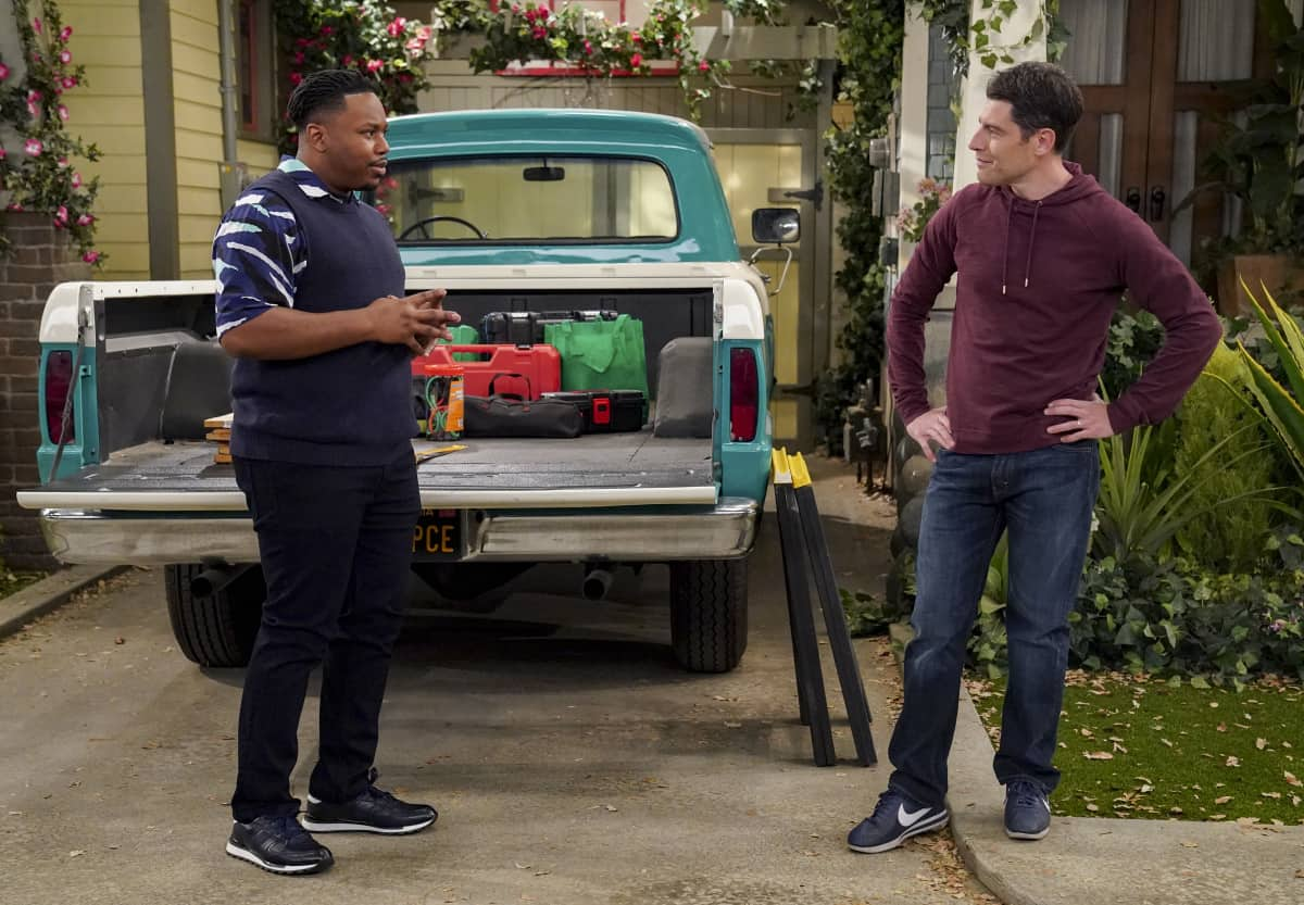 """The Neighborhood Season 3 Episode 12 """"Welcome to the Treehouse"""" - Pictured: Marcel Spears (Marty Butler) and Max Greenfield (Dave Johnson)."""