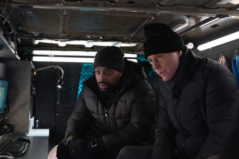 "CHICAGO P.D. -- ""Impossible Dream"" Episode 809 -- Pictured: (l-r) LaRoyce Hawkins as Kevin Atwater, Jason Beghe as Hank Voight -- (Photo by: Sandy Morris/NBC)"