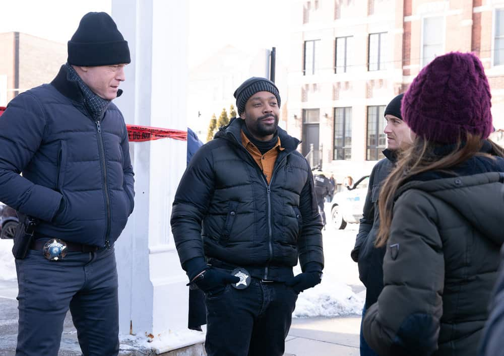 "CHICAGO P.D. -- ""Impossible Dream"" Episode 809 -- Pictured: (l-r) Jason Beghe as Hank Voight, LaRoyce Hawkins as Kevin Atwater -- (Photo by: Sandy Morris/NBC)"