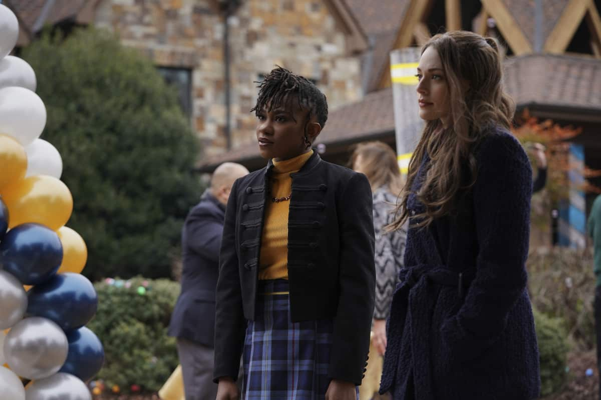 """Legacies -- """"Yup, It's a Leprechaun, All Right"""" -- Image Number: LGC307B_0132r -- Pictured (L-R): Omono Okojie as Cleo and Danielle Rose Russell as Hope Mikaelson -- Photo: Bob Mahoney/The CW -- © 2021 The CW Network, LLC. All rights reserved."""