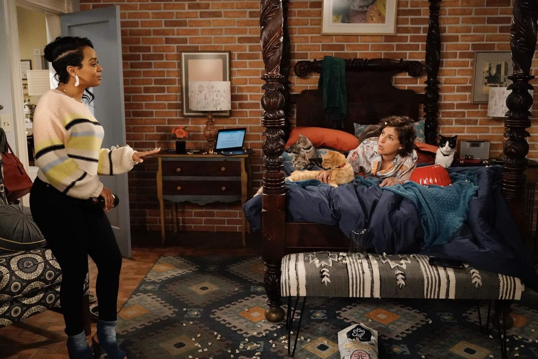 "CALL ME KAT: L-R: Kyla Pratt and Mayim Bialik in the ""Salsa"" episode of CALL ME KAT airing Thursday, March 18 (9:00-9:30 PM ET/PT) on FOX. ©2021 FOX MEDIA LLC. Cr. Cr: Lisa Rose/FOX."