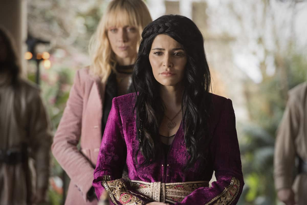 """Batwoman Season 2 Episode 8 -- """"Survived Much Worse"""" -- Image Number: BWN208b_0056r -- Pictured (L-R): Shivaani Ghai as Sayfiah and Rachel Skarsten as Alice -- Photo: Dean Buscher/The CW -- © 2021 The CW Network, LLC. All Rights Reserved."""