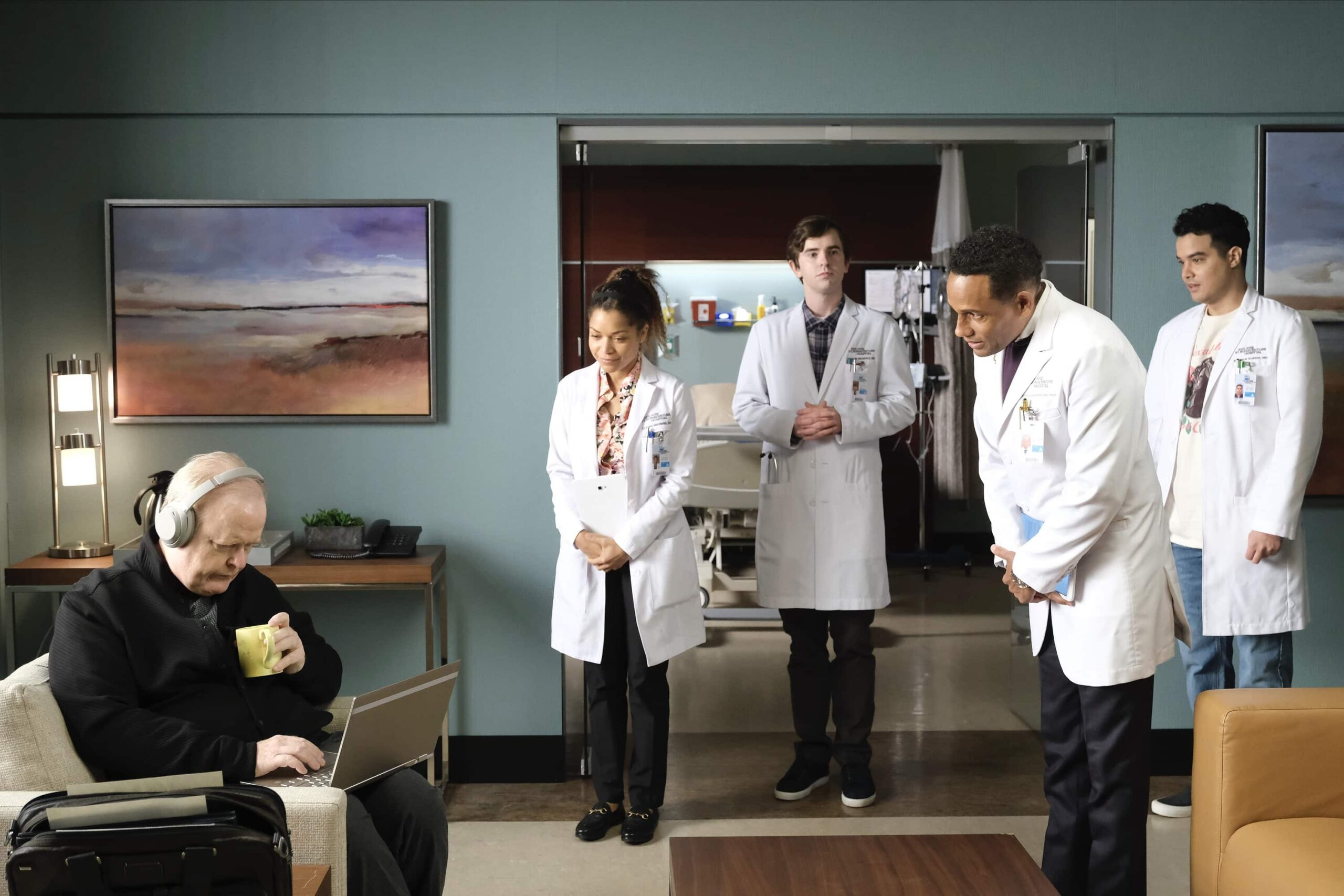 """THE GOOD DOCTOR Season 4 Episode 12 - """"Teeny Blue Eyes"""" – When a renowned surgeon comes to St. Bonaventure for treatment, the team's enthusiasm is quickly overshadowed by the doctor's behavior. After studying his case, Dr. Shaun Murphy sees a pattern he recognizes. Meanwhile, Shaun and Lea are forced to make a life-changing decision that will alter the course of their relationship on an all-new episode of """"The Good Doctor,"""" MONDAY, MARCH 22 (10:00-11:00 p.m. EDT), on ABC. (ABC/Jeff Weddell) CHRISTIAN CLEMENSON, HILL HARPER"""