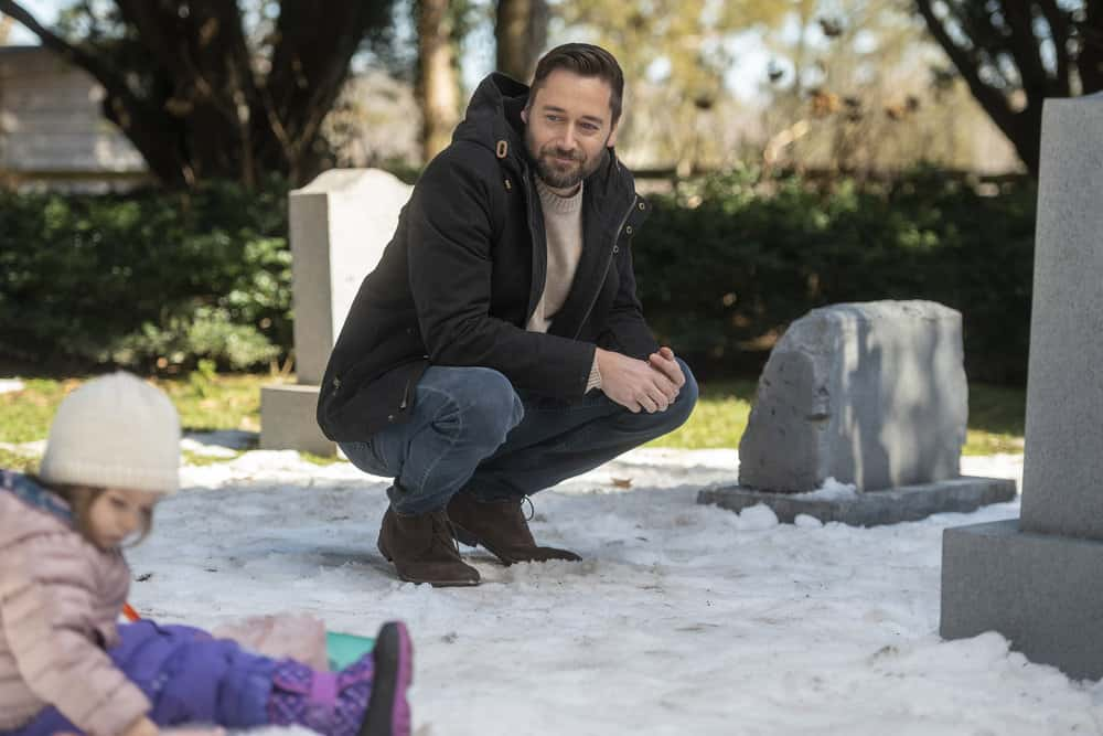 """NEW AMSTERDAM -- """"All I Need"""" Episode 304 -- Pictured: (l-r) Nora and Opal Clow as Luna Goodwin, Ryan Eggold as Dr. Max Goodwin -- (Photo by: Scott Gries/NBC)"""