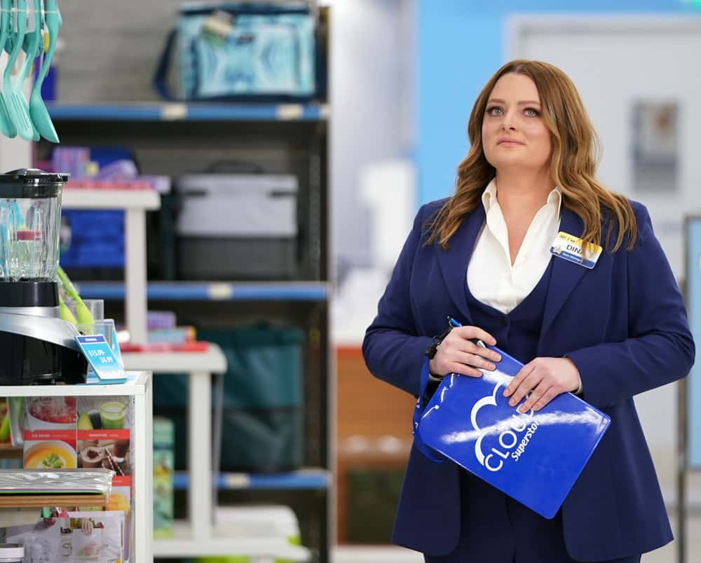 """SUPERSTORE Season 6 Episode 15 -- """"All Sales Final"""" Episode 615 -- Pictured: Lauren Ash as Dina -- (Photo by: Tyler Golden/NBC)"""