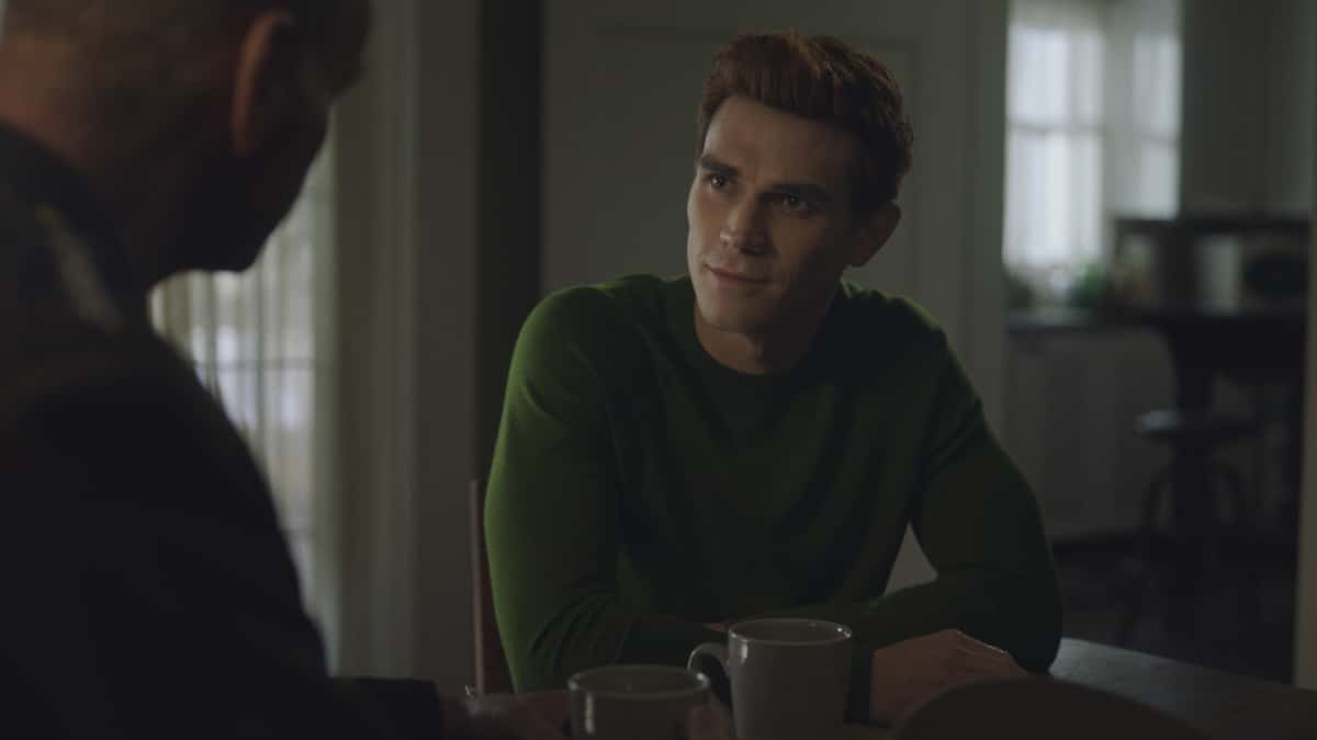"""Riverdale Season 5 Episode 10 -- """"Chapter Eighty-Six: The Pincushion Man"""" -- Image Number: RVD510fg_0023r -- Pictured: KJ Apa as Archie Andrews -- Photo: The CW -- © 2021 The CW Network, LLC. All Rights Reserved."""