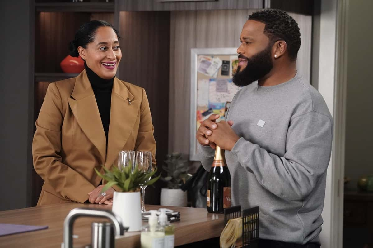 """BLACK-ISH Season 7 Episode 15 - """"Move-In Ready"""" – Against the warnings of Dre and his coworkers, Junior is resolute about his decision to move in with Olivia. They go on an apartment hunt together, but tensions rise when Olivia compares Junior to Dre. Meanwhile, Bow challenges Dre to get comfortable being alone on an all-new episode of """"black-ish,"""" TUESDAY, APRIL 6 (9:00-9:30 p.m. EDT), on ABC. (ABC/Richard Cartwright) TRACEE ELLIS ROSS, ANTHONY ANDERSON"""