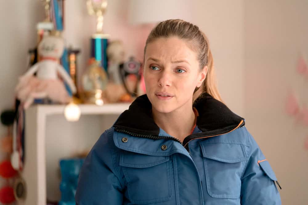 "CHICAGO PD Season 8 Episode 11 -- ""Signs Of Violence"" Episode 811 -- Pictured: Tracy Spiridakos as Hailey Upton -- (Photo by: Lori Allen/NBC)"