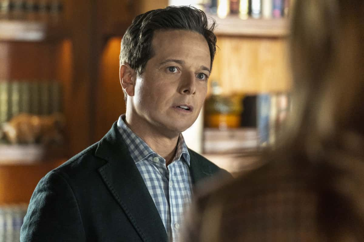 """Nancy Drew -- """"The Scourge of the Forgotten Rune"""" -- Image Number: NCD211b_0081r.jpg -- Pictured (L-R): Scott Wolf as Carson -- Photo: Colin Bentley/The CW -- © 2021 The CW Network, LLC. All Rights Reserved."""