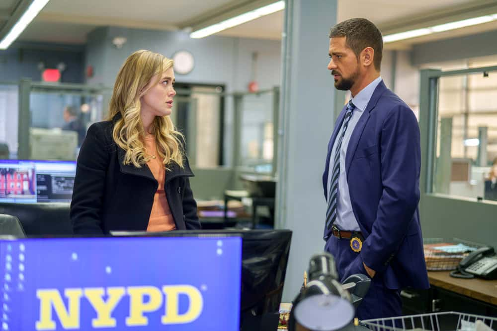 "MANIFEST Season 3 Episode 2 -- ""Deadhead"" Episode 302 -- Pictured: (l-r) Melissa Roxburgh as Michaela Stone, J.R. Ramirez as Jared Vasquez-- (Photo by: Peter Kramer/WBTV/NBC)"