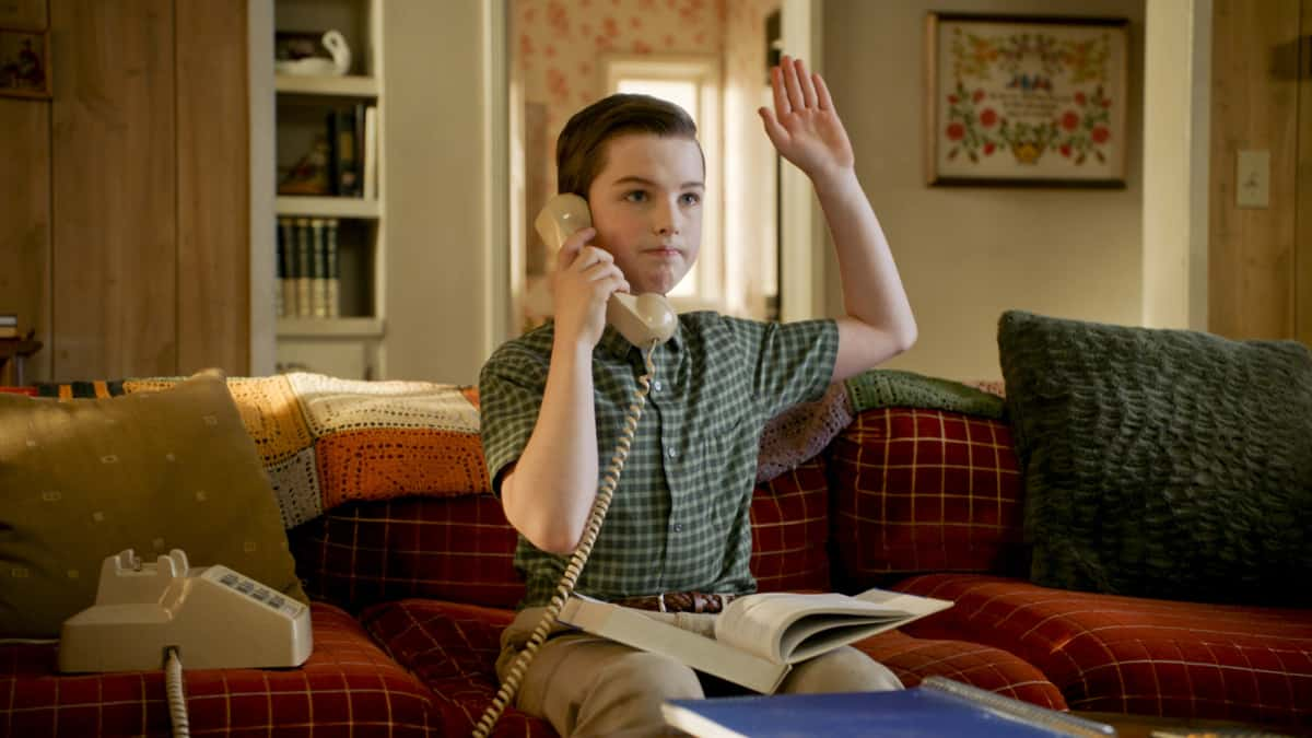 YOUNG SHELDON Season 4 Episode 13 Photos The Geezer Bus And A New Model For Education