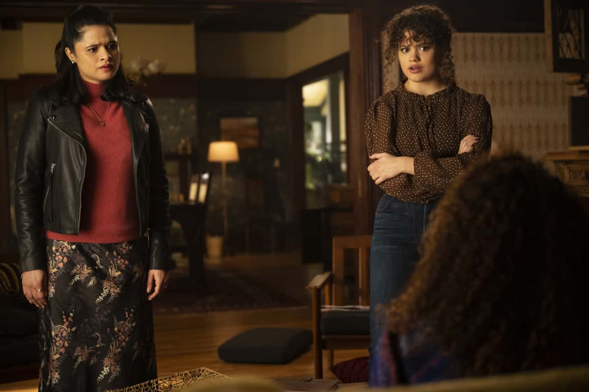 """Charmed Season 3 Episode 9 -- """"No Hablo Brujeria"""" -- Image Number: CMD309a_0099r -- Pictured (L -R):  Melonie Diaz as Mel Vera, and Sarah Jeffery as Maggie Vera  -- Photo: Kailey Schwerman/The CW -- © 2021 The CW Network, LLC. All Rights Reserved."""