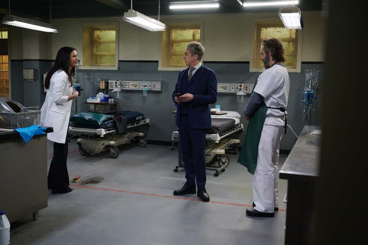 PRODIGAL SON Season 2 Episode 8 : L-R: Special guest star Catherine Zeta-Jones, guest star Alan Cumming and Michael Sheen in the Ouroboros episode of PRODIGAL SON airing Tuesday, April 13 (9:01-10:00 PM ET/PT) on FOX. ©2021 Fox Media LLC Cr: Phil Caruso/FOX